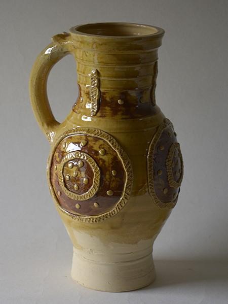 http://www.poteriedesgrandsbois.com/files/gimgs/th-31_PCH022-Pichet-médiéval-Rouen-XIIIe-s.jpg