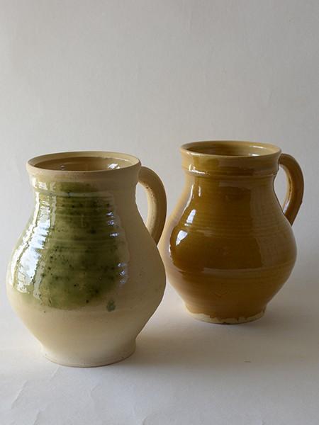 http://www.poteriedesgrandsbois.com/files/gimgs/th-31_PCH023-04-Pichet-XVe-siècle-poterie-moyen-age.jpg