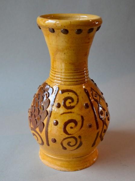 http://www.poteriedesgrandsbois.com/files/gimgs/th-59_BOU003-Bouteille-Château-Thierry-XIVe-s.jpg